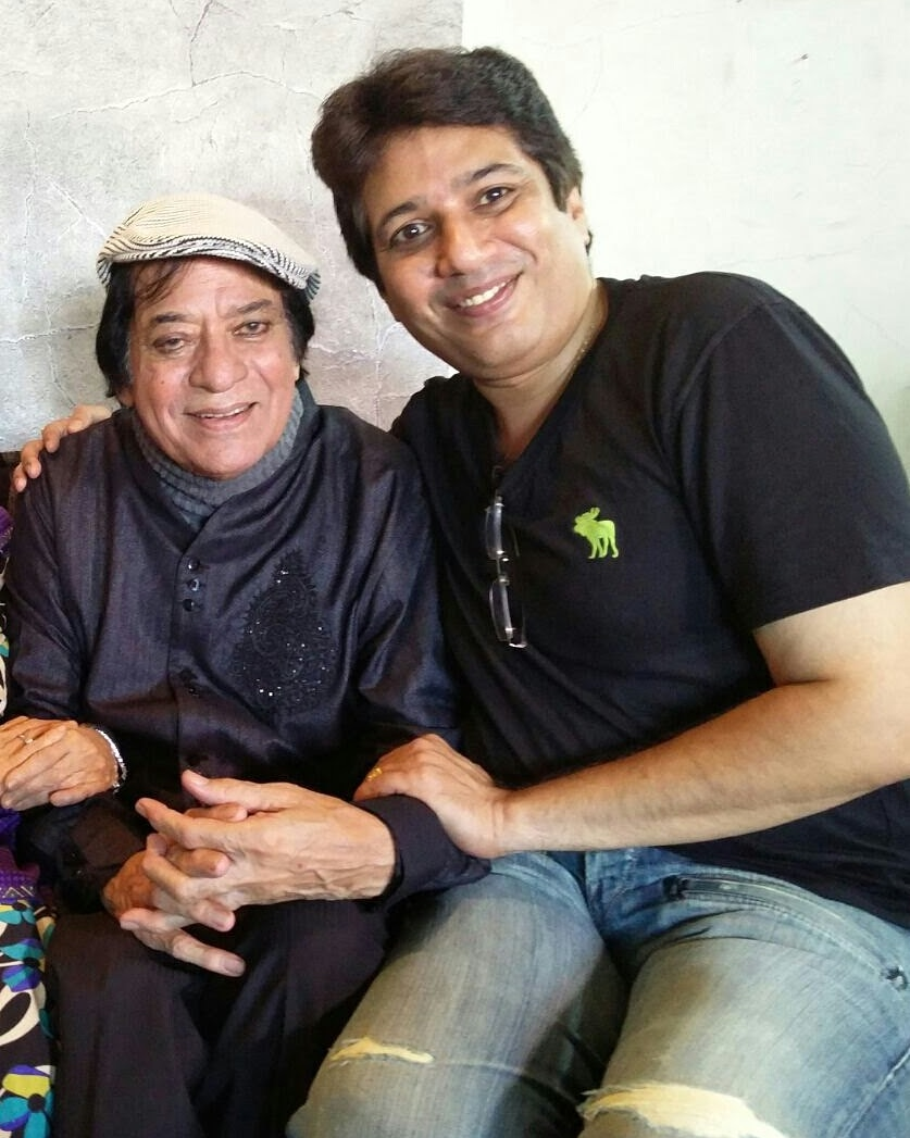 Totally shocked choked no words can't digest that my mamujaan #jagdeep uncle is no more with us but #LegendsNeverDie are #immortal you will remain in our memories forever🙏🙏 @NavedJafri_BOO @jaavedjaaferi 🙏 https://t.co/B294E4sZhi