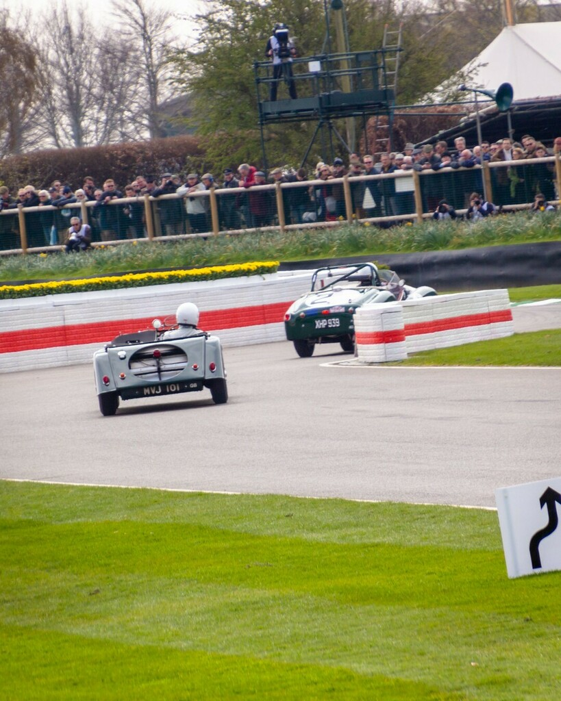 It was meant to be Goodwood Festival of Speed this weekend. Sad times, but I'm definitely looking forward to being able to visit Goodwood and other circuits and events soon!⠀ --⠀ #Goodwood #GRRC #goodwoodmembersmeeting #77mm #sportcars #classicrace… https://t.co/JDOfQdZjyC https://t.co/a5d5gzgzUZ