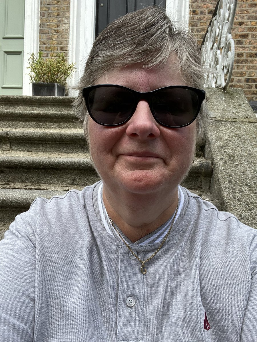 Feeling great - it's taken slow and steady steps but now 1 stone lighter - better be careful with the #sundaylunch  #walkingforweightloss #healthyeating <br>http://pic.twitter.com/gM3LlQL870