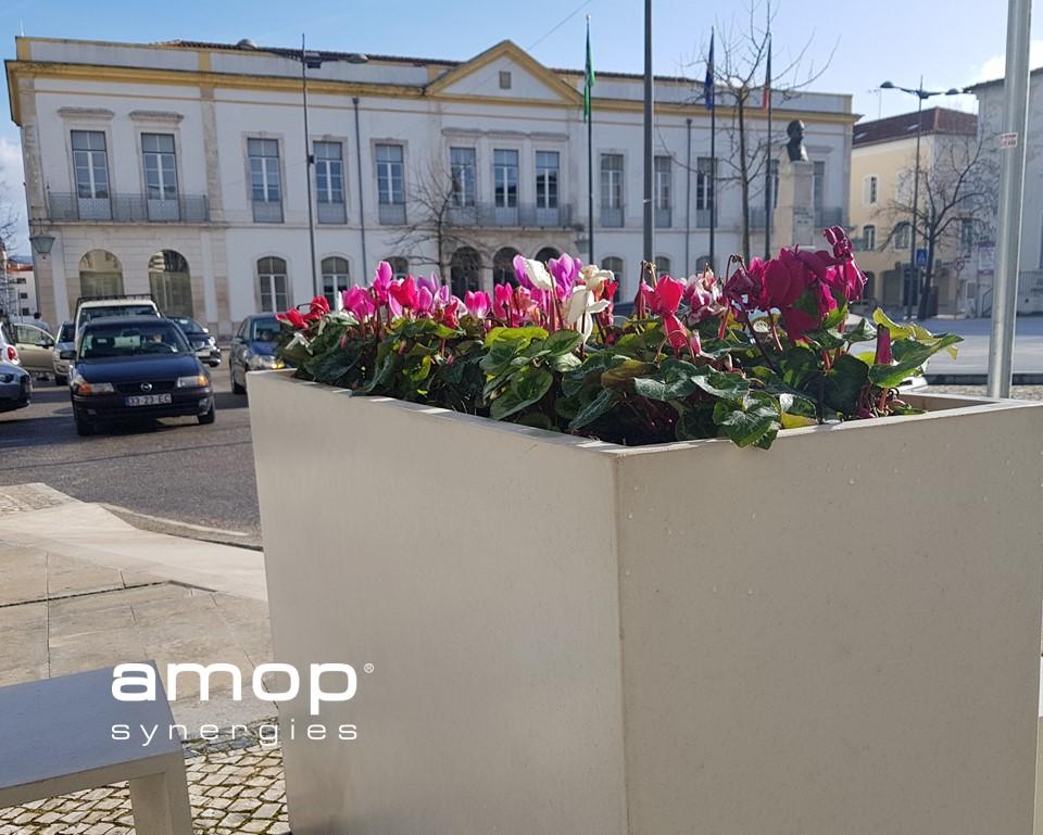 R-LIGHT Floreira em Betão UHPC UHPC Concrete Planter Rafael Fernandes - Arquitectos RF Arquitectos  . . . . #architecture #architecturelovers #uhpc #uhpcurbanfurniture #betaouhpc #uhpcconcrete #floreiraemuhpc #uhpcplanter #anadia #amoppic.twitter.com/wS7zQPNDO9