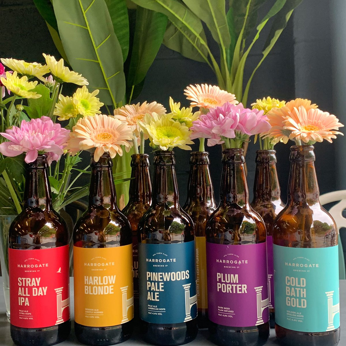 What better way to recycle our bottles than use them as table decorations! 🌸🌻🌺  #flowers #beerbottles #tabledecoration #flowerpower #beergarden #brewery #beer #craftbeer #summer #harrogate #knaresborough