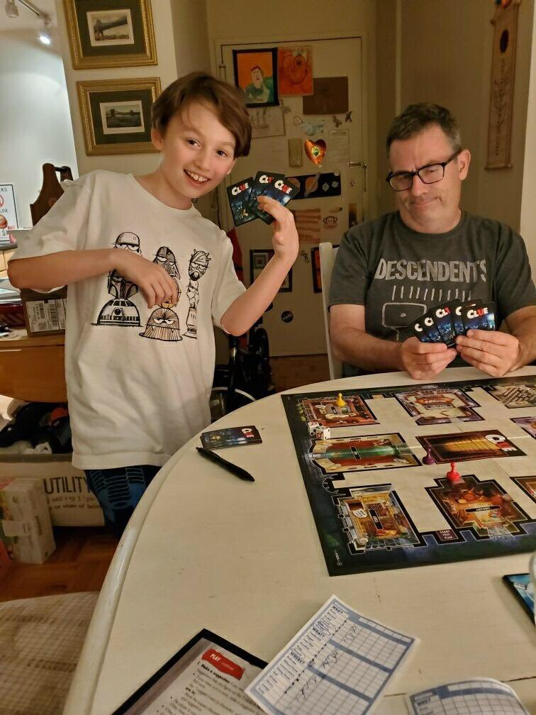 Local man loses twice to his son in Clue #NYC #Games pic.twitter.com/ynWZL8xAL3
