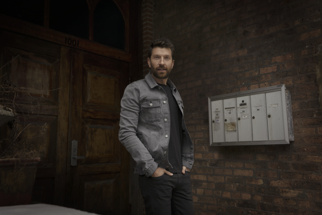 What better day to listen to @bretteldredge's new album 'Sunday Drive' than today? Check it out here: https://t.co/LOeD4Oo0gI https://t.co/4fEGgJOrjL
