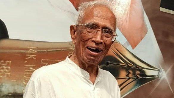Veteran Gujarati political columnist Padma Shri Nagindas Sanghvi passes away at 100