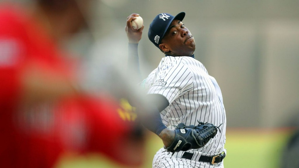 Yankees closer Aroldis Chapman tests positive for coronavirus https://t.co/If9DfWwnSv https://t.co/Bb6UwUd0ls