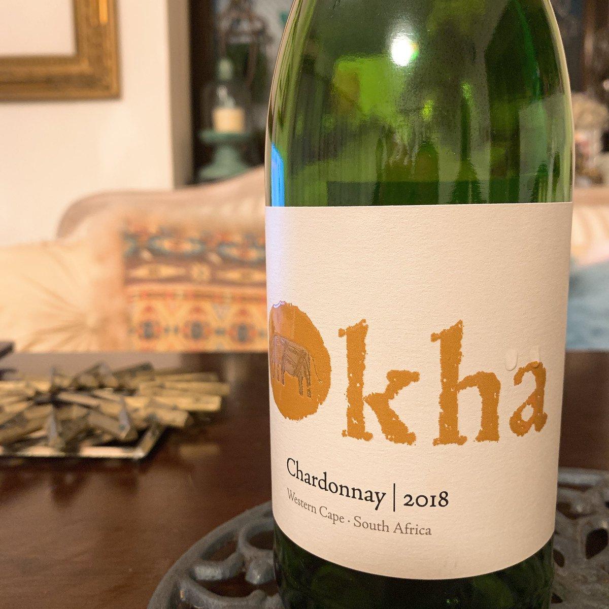 これからは一晩で完飲したワインだけアップします。  こちら南アフリカのオーカのシャルドネ。 ミネラル感と果実味のバランスが良く刺身やサラダにも合いました。  #一晩ワイン #kha #chardonnay #シャルドネ #南アフリカ #オーカ https://t.co/d1GuTjUc6A