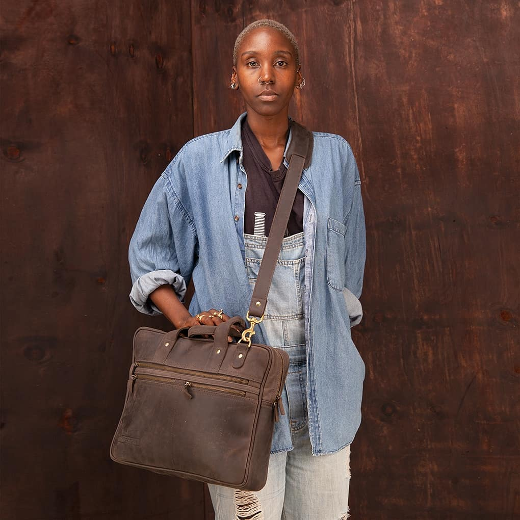 The Sylvester is @sandstormkenya 's most popular work bag. It comfortably fits a laptop, documents and accessories in a host of pockets and compartments. #madebykenya Sylvester in mocha pull-up leather. Kenya Ksh 28,900. Rest of world $289 +shipping and local taxes #VMfashion https://t.co/20kSDia4Jh