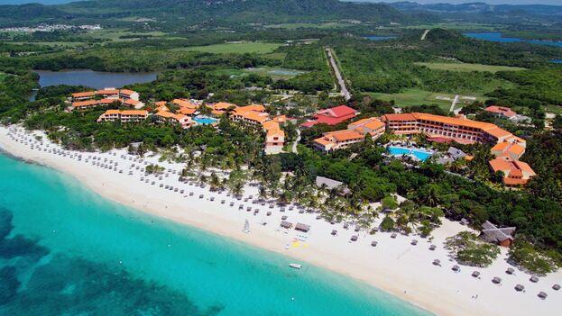 El grupo Meliá sufre un revés en un tribunal español por sus hoteles en Cuba.   👉🏻👉🏻👉🏻👉🏻 https://t.co/bxTHeqylaV https://t.co/hBtcQz9Eus