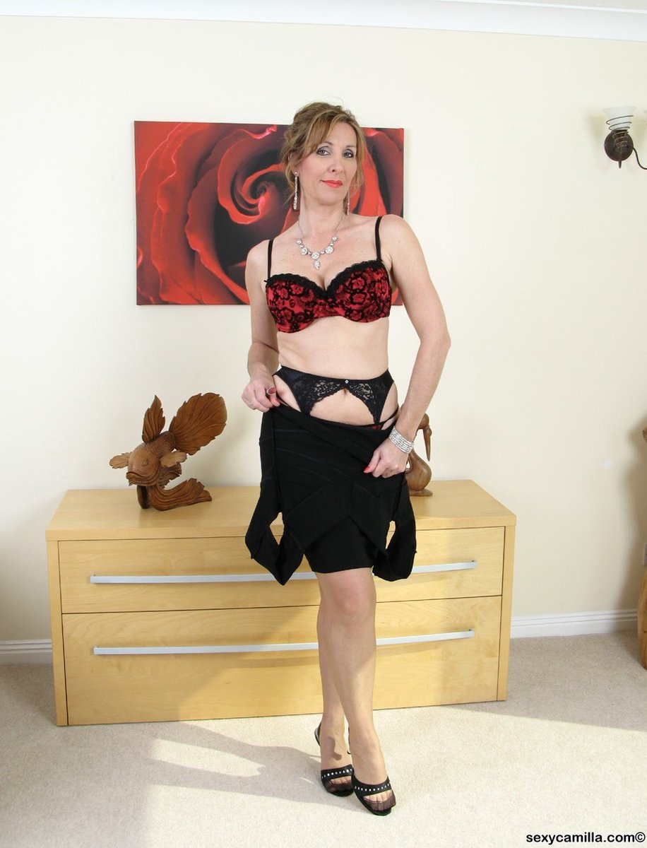If you like it hot, channel marilyn monroe's bombshell summer style