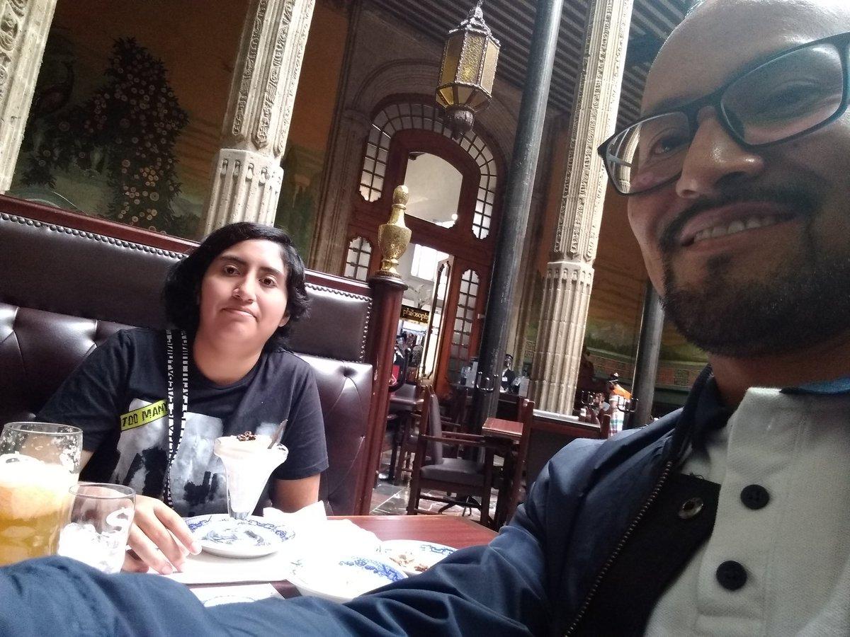 El motor de mi vida @CelesteTadeo1 Muchas felicidades hija 😘😘😘😍😍😍 #MiOrgullo XV
