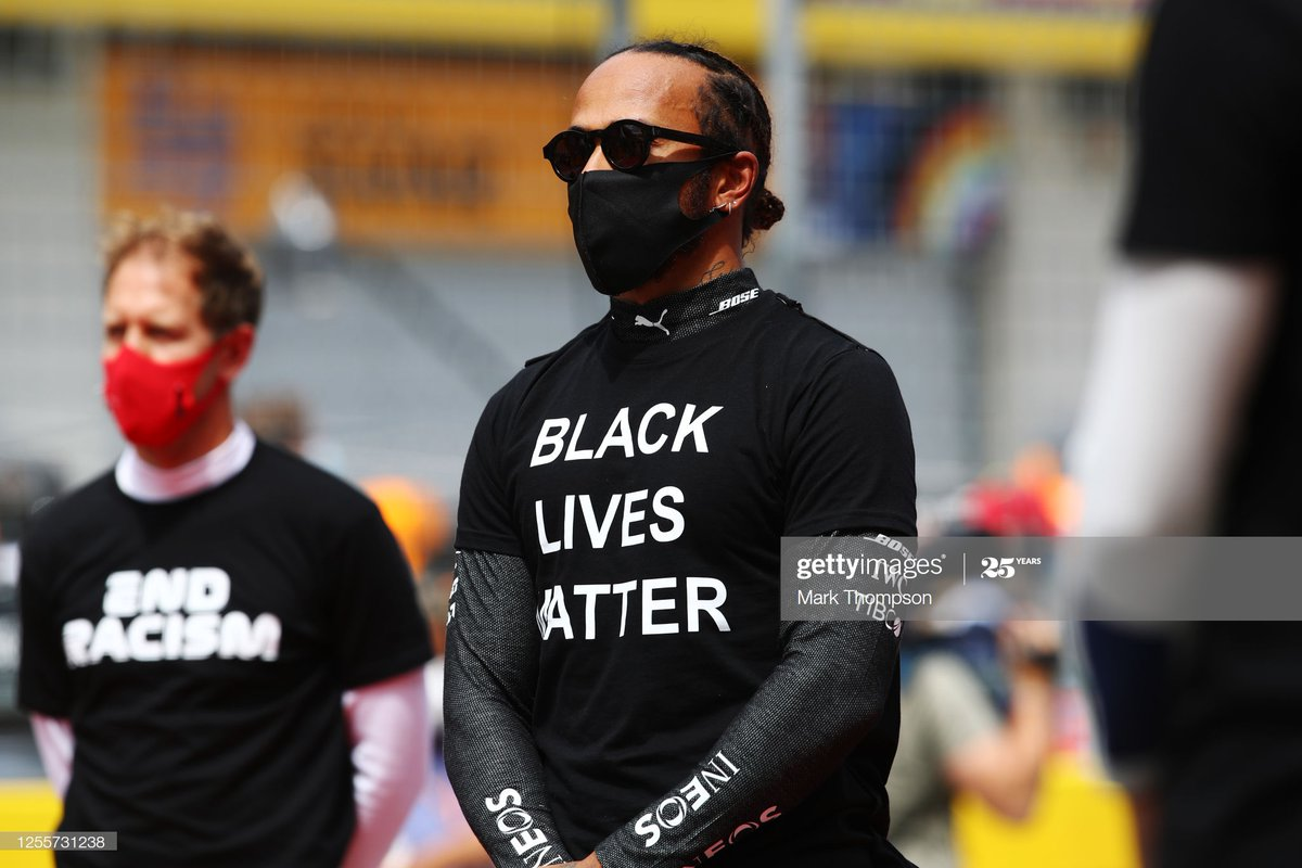 Race winner @LewisHamilton shows his supports for the #BlackLivesMatter movement at the #F1 #StyrianGP : @F1Thommo @BrynLennon #AustrianGPpic.twitter.com/fqMcOaCTKz