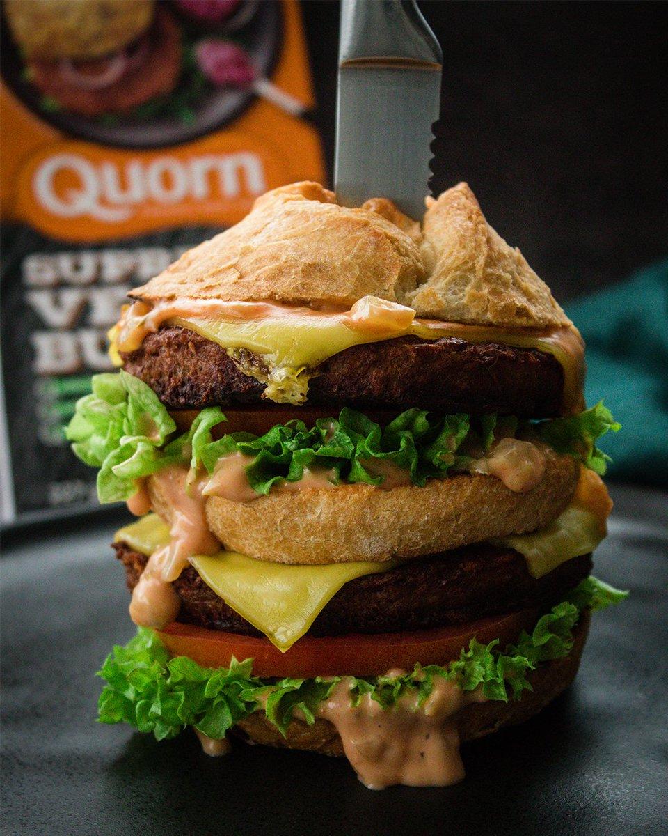 So many vegan burger options nowadays, I LOVE IT  <br>http://pic.twitter.com/XuMZmD07lJ