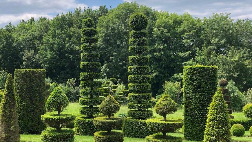 Les pique-niques en blanc reviennent ce lundi aux jardins d'Eyrignac https://t.co/IHscFhBp9l https://t.co/pGcF4fEDyS
