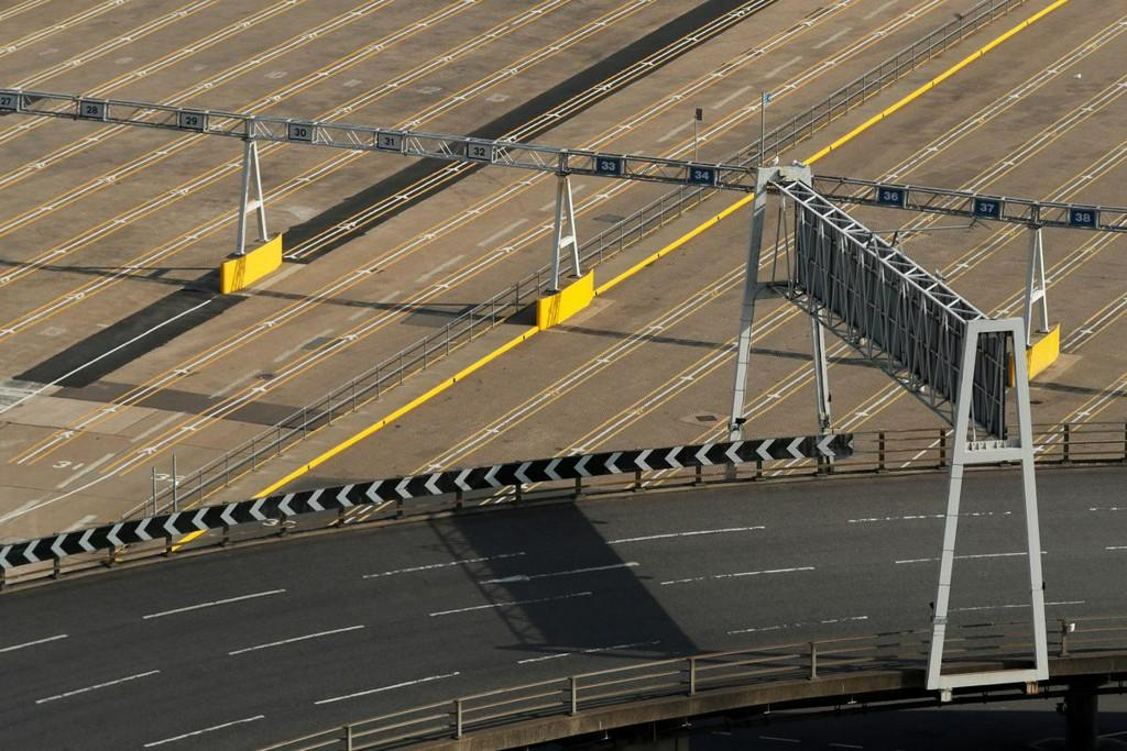 Britain to spend 705 million pounds on EU border infrastructure