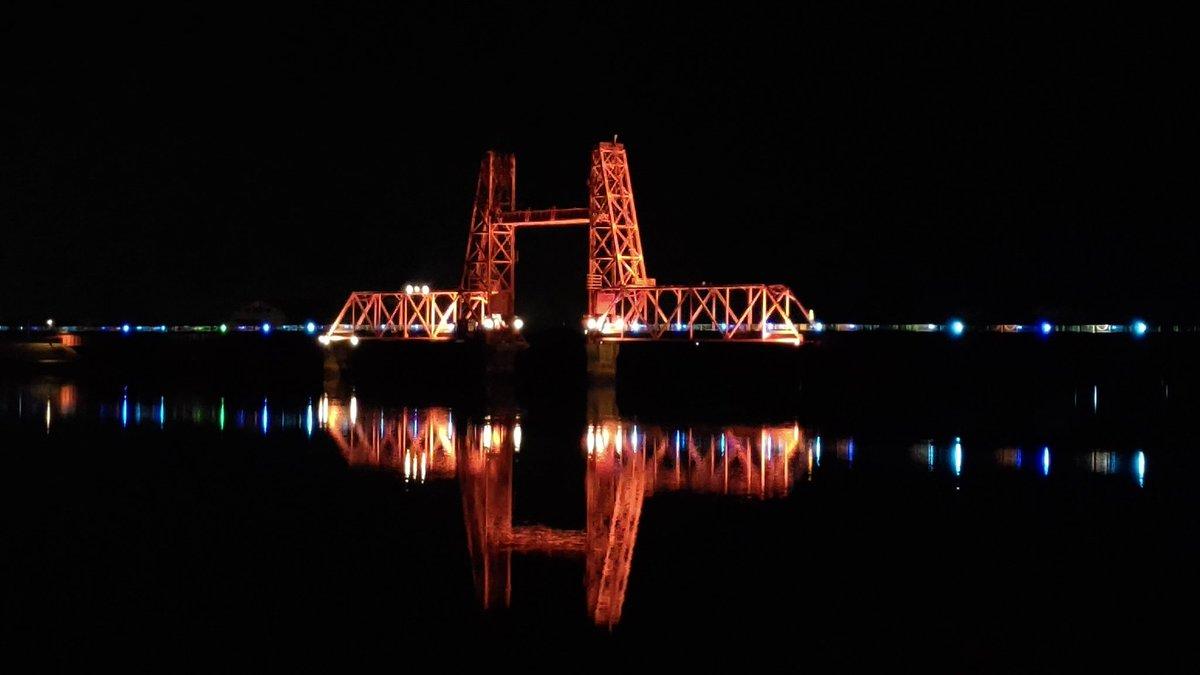 あ・・・ 昇開橋を撮ってたんだった・・・ #昇開橋 #ゾンビランドサガ #佐賀事変 https://t.co/eIEhqZamCV