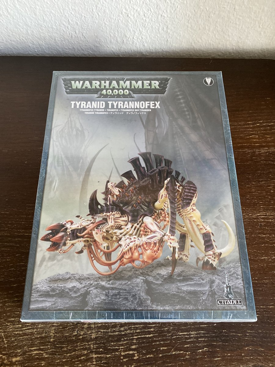 Didn't build anything for a long time. So why not starting with the big beast ...  Can't wait to see him shooting 4D6 while in combat 🔥   #warhamer40k #wh40k #new40k #warhammer #warmongers https://t.co/cRxSGlkpO7