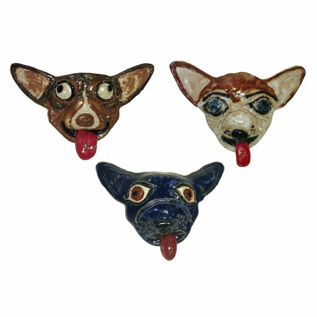 Chihuahua Incense Holders #incense #incenseholder #chihuahua #chihuahuasofinstagram #ceramicart #clayartist #aberrantceramics #tucsonartist https://instagr.am/p/CCjH4zmDtrr/pic.twitter.com/jqdaIuTa1W