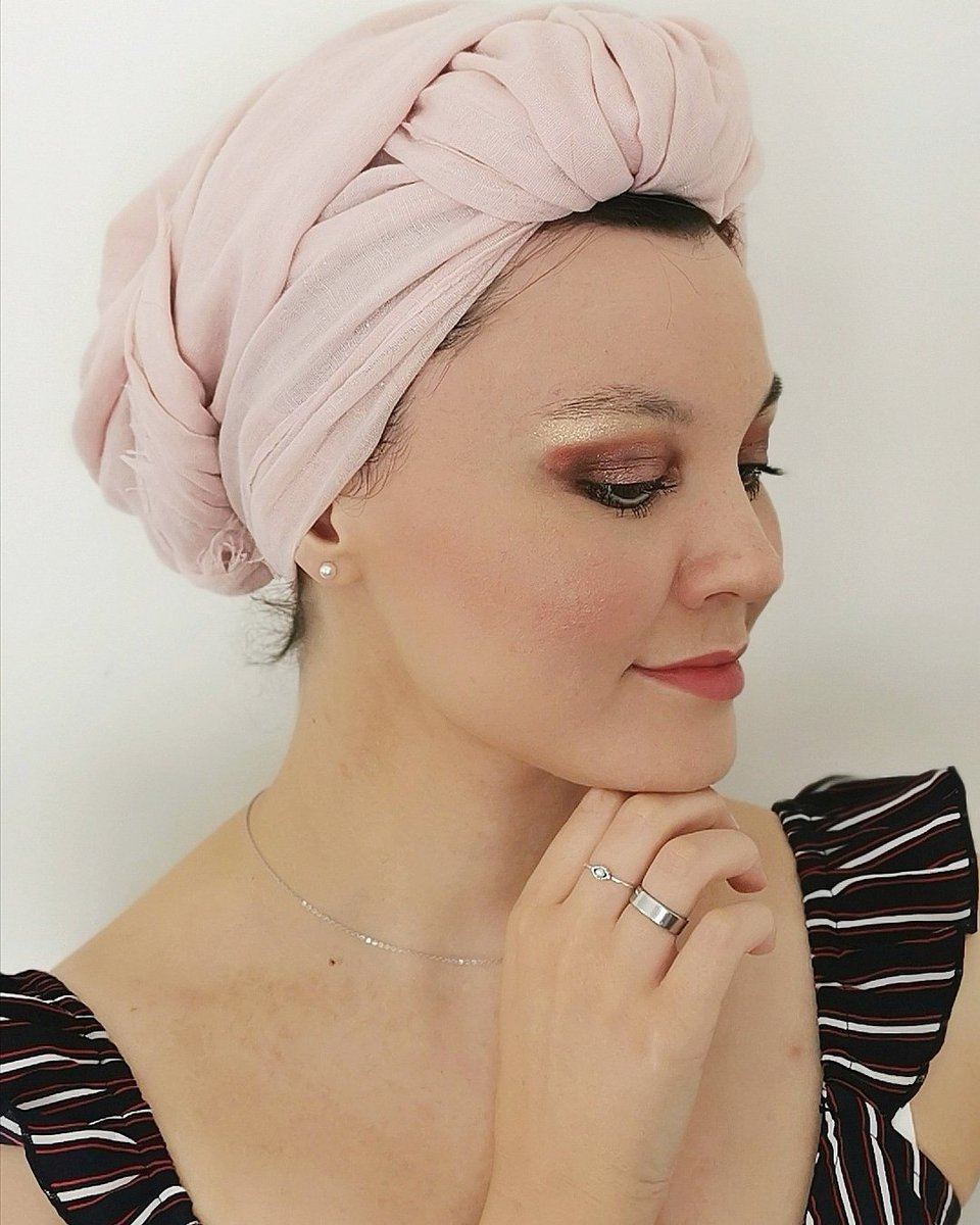 ✨🍑Hello, petit makeup réalisé avec la palette sweet dream de chez Too faced, qu'en penses-tu ? 🌹🧡 ___ #toofaced #makeup #youtube #sweetdream #turban #sephora https://t.co/9a9Y3JAh7r