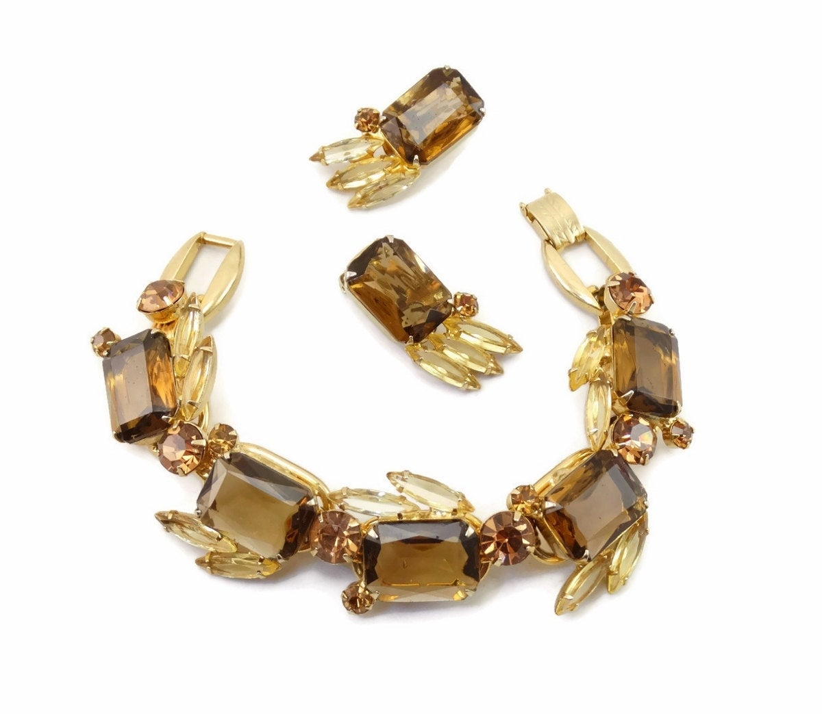 Vintage D&E JULIANA Golden Topaz Rhinestone 5 Link Bracelet Earrings Demi-Parure Rare! #couture https://etsy.me/2fZy7XR pic.twitter.com/HMUaZVHRFt