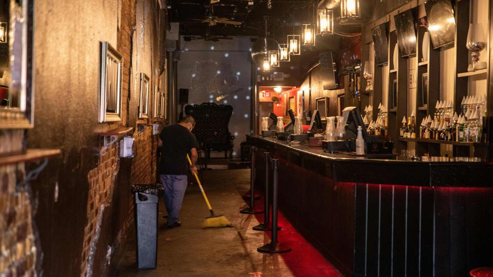 More than half of Austin's live music venues, restaurants, and bars are at risk of shuttering for good by Halloween because of the coronavirus pandemic https://t.co/KDuhazJvPC https://t.co/EFOPI3VRbQ