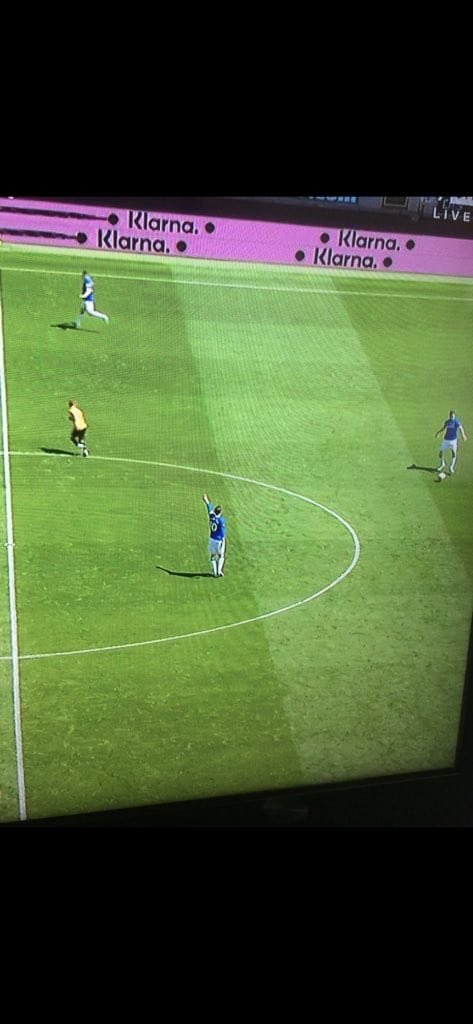 I've honestly lost count of the amount of times I've seen this shithouse do this. Never wants the ball, always directs it back or sideways, no accountability, no responsibility, 0 ideas. He epitomises everything that's wrong with this football club https://t.co/ukfbM5IA1n