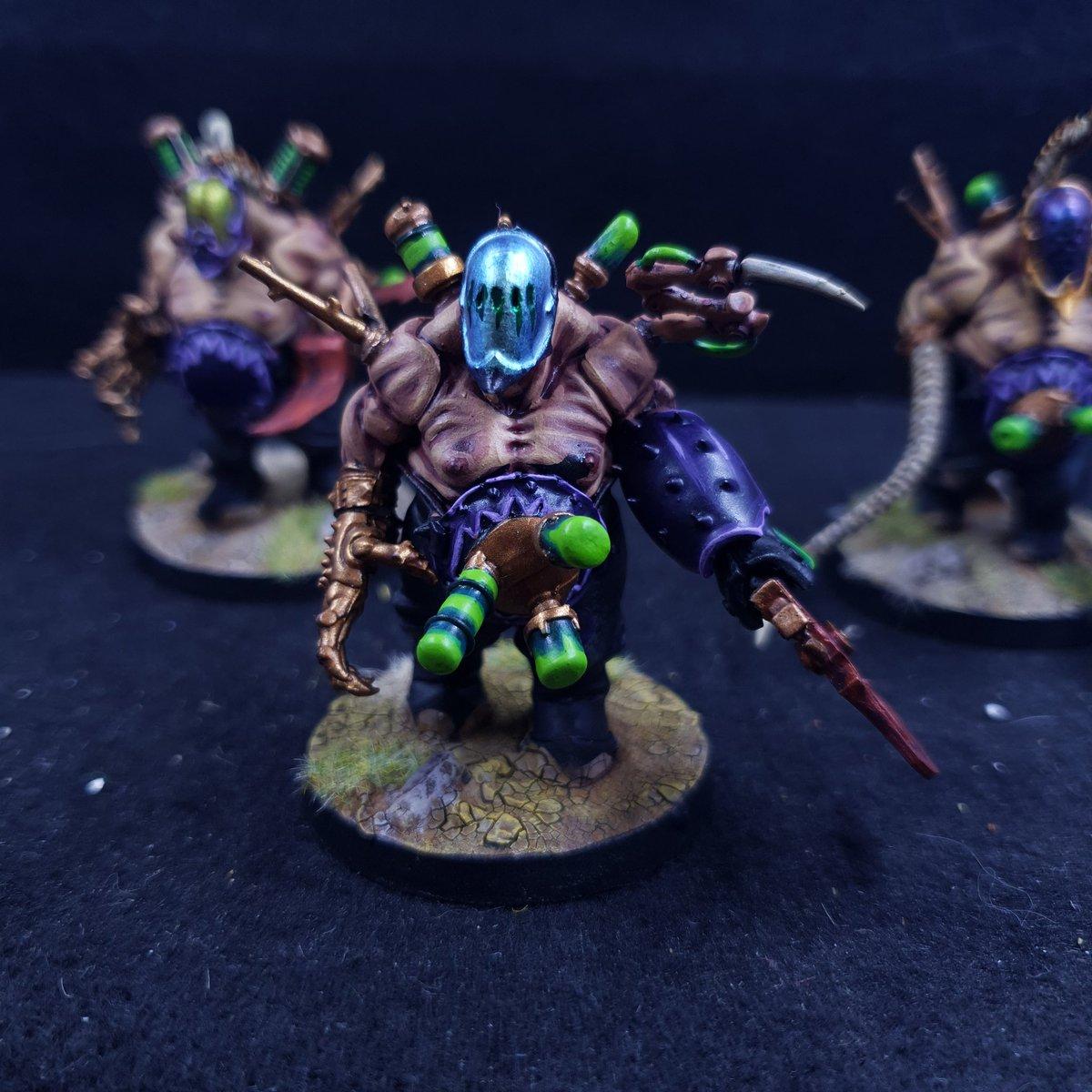 My Haemonuculus coven! DONE #warhammer40k #wh40k #PaintingWarhammer #WarhammerCommunity @WarComTeam #Hobby https://t.co/uZUavj8hjV