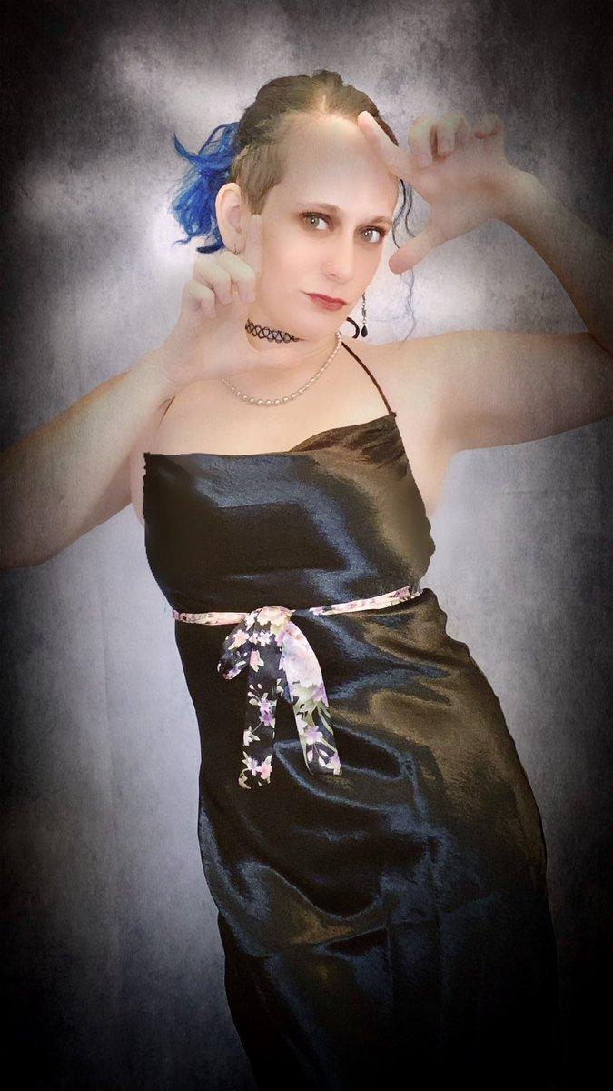 LITTLE BLACK DRESS#ootd #mua #littleblackdress #datenightinspiration #tattedgirls #fashion #fashioninspo #fashionista #elegance #model #beautyinfluencer #bluehairdontcare #discoverunder5k #dollskill @dollskillpic.twitter.com/EDeFjo5bIf