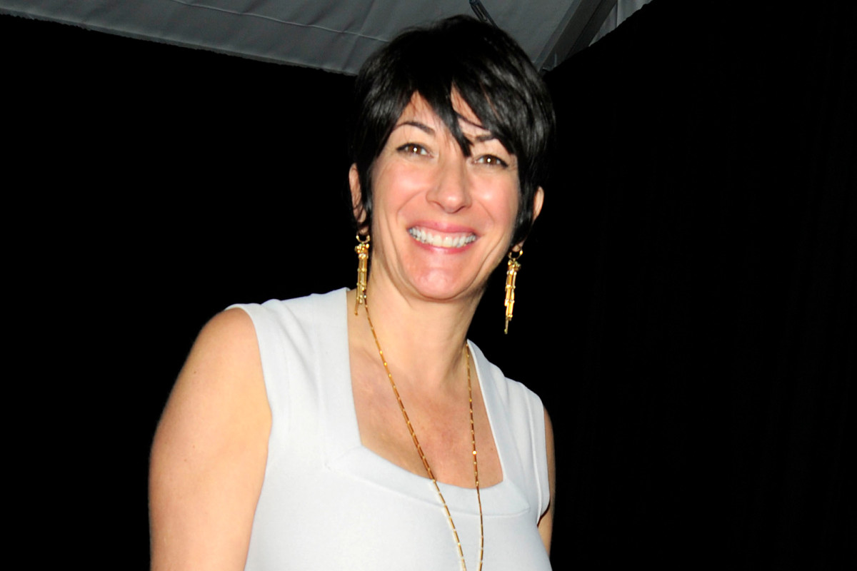 Ghislaine Maxwell reportedly moved from 'cell to cell' to avoid assassins https://t.co/jXsZBX9RZR https://t.co/kDHWQgmXbB