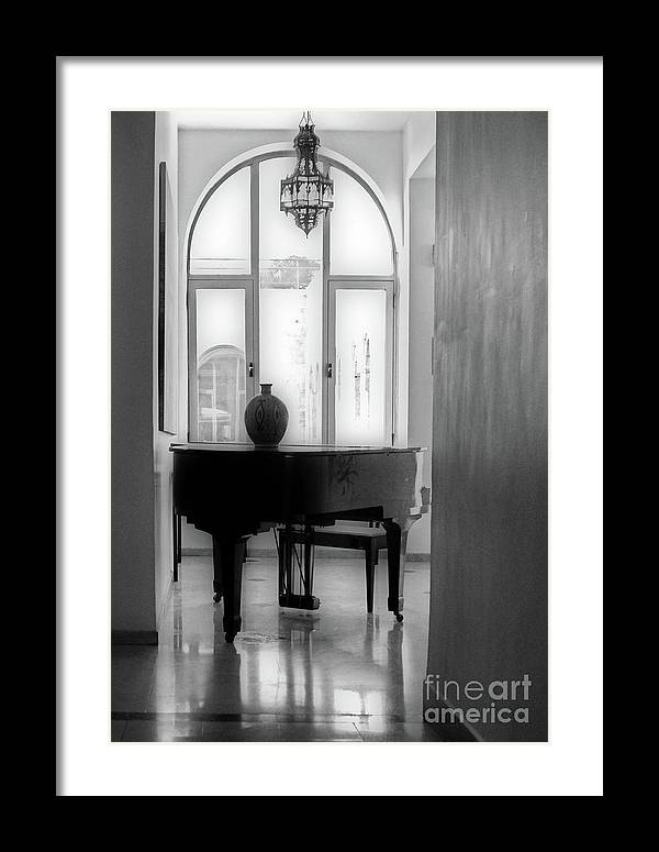 https://t.co/9fn72AEPaP #music #MusicHeals #musician #piano #photography #photographer #InstrumentalMusic #wallart #homedesign #blackandwhitephotography https://t.co/92uqH8jNBq