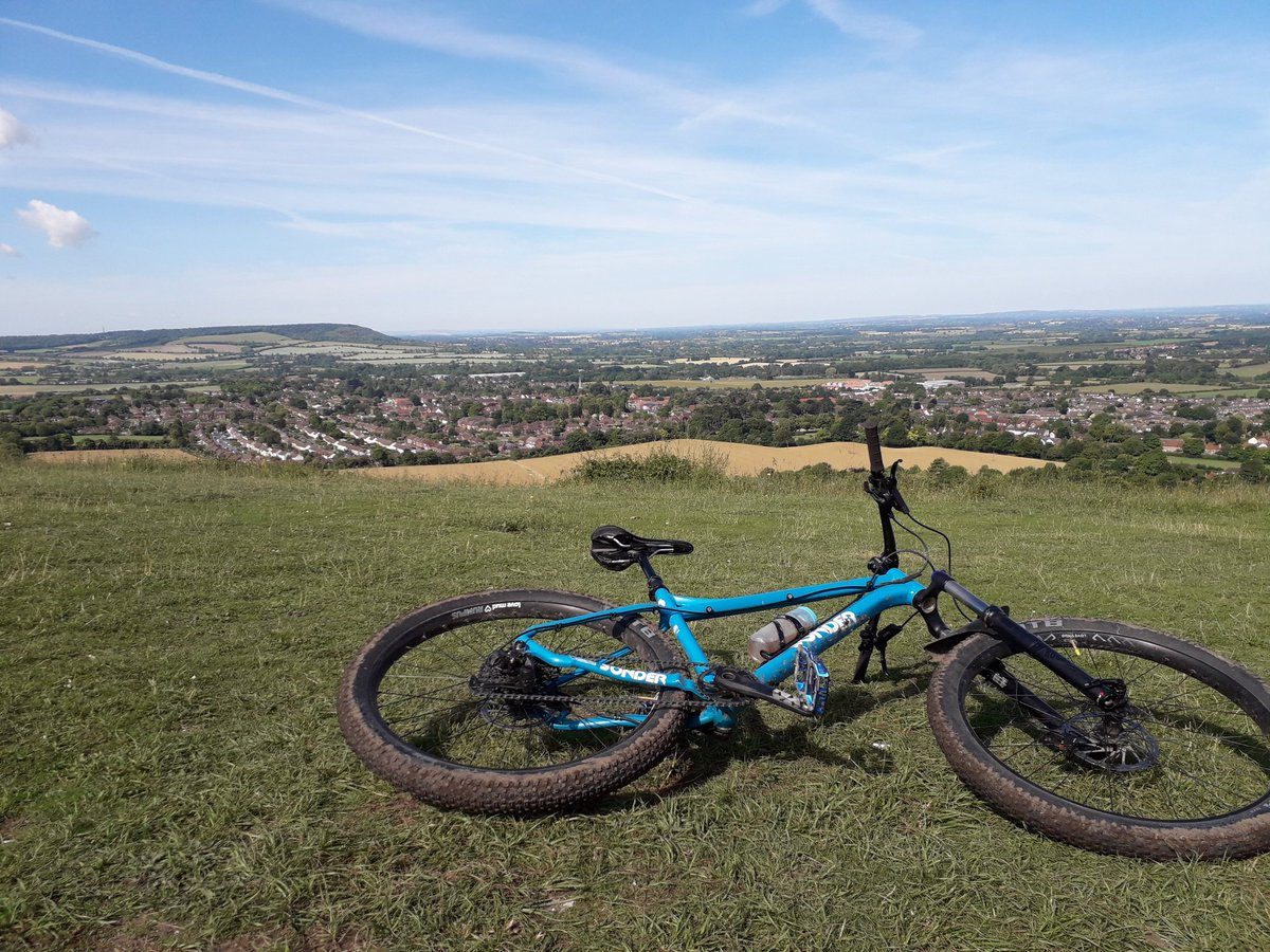 RT @stuart_strange: Brilliant morning riding over in the Chiltern Hills, along part of the Ridgeway with lots of ups and downs #GetOutside #Lutonoutdoors #366outdoorchallenge #activebedfordshire @teamBEDS @UKMTB_Chat @OSleisure @TotalMTB_