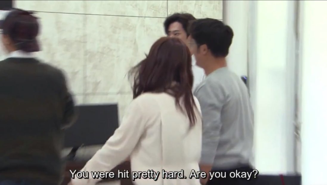 this button bit is comedic gold, I'm crying #범인은바로너 #범바너2 #Busted2 <br>http://pic.twitter.com/xI8sMXWCIZ