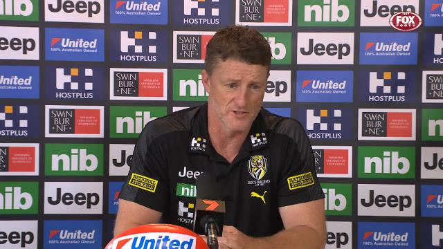 """2-time Premiership coach Damian Hardwick last night claimed there was """"75,000 people in our forward 50"""" during their slug-fest against the Swans   But one Champion Data analyst has crunched the numbers and firmly disputed this claim, saying """"it was no more than 36""""   MORE >> <br>http://pic.twitter.com/RMtPKn7B6f"""