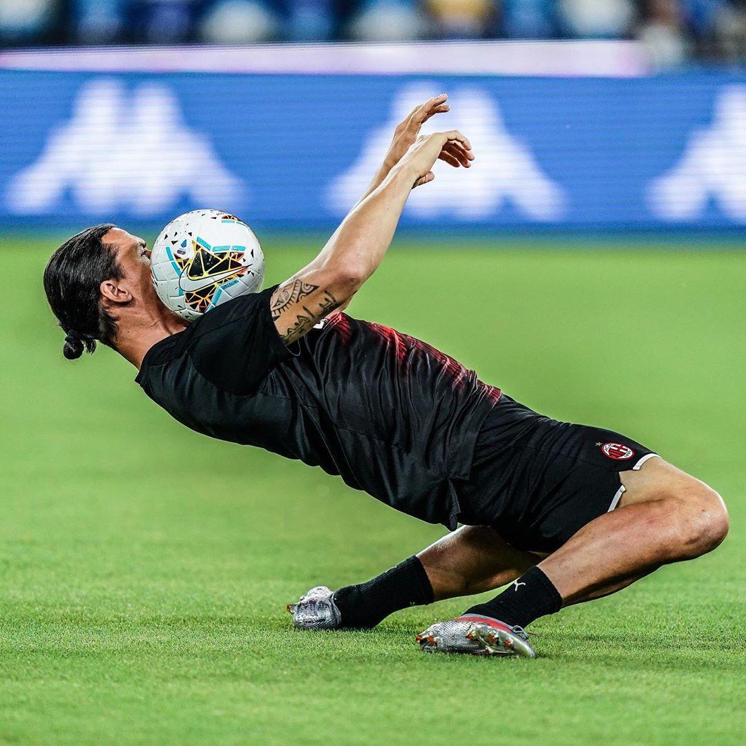 🤯 Zlatan Ibrahimovic. 38 años. 🤯