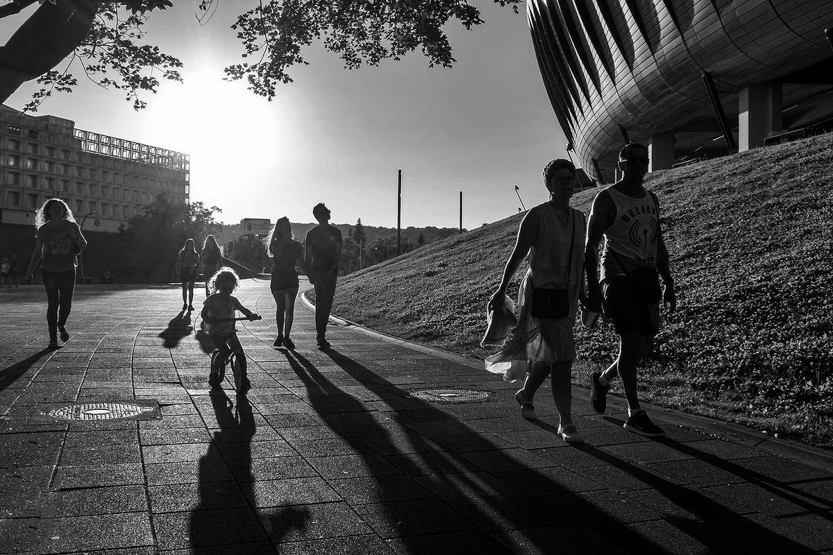 #streetphotographers #streetphotography #street #streetstyle #streetclassics #socialdocumentaryphotography #socialdocumentary #socialdistancing #social #cluj #clujnapoca #clujlife #clujnapoca_city #visitcluj #clujvibes #viataincluj  #blackandwhitephotography #blackwhitepic.twitter.com/TdxmI7O3pk