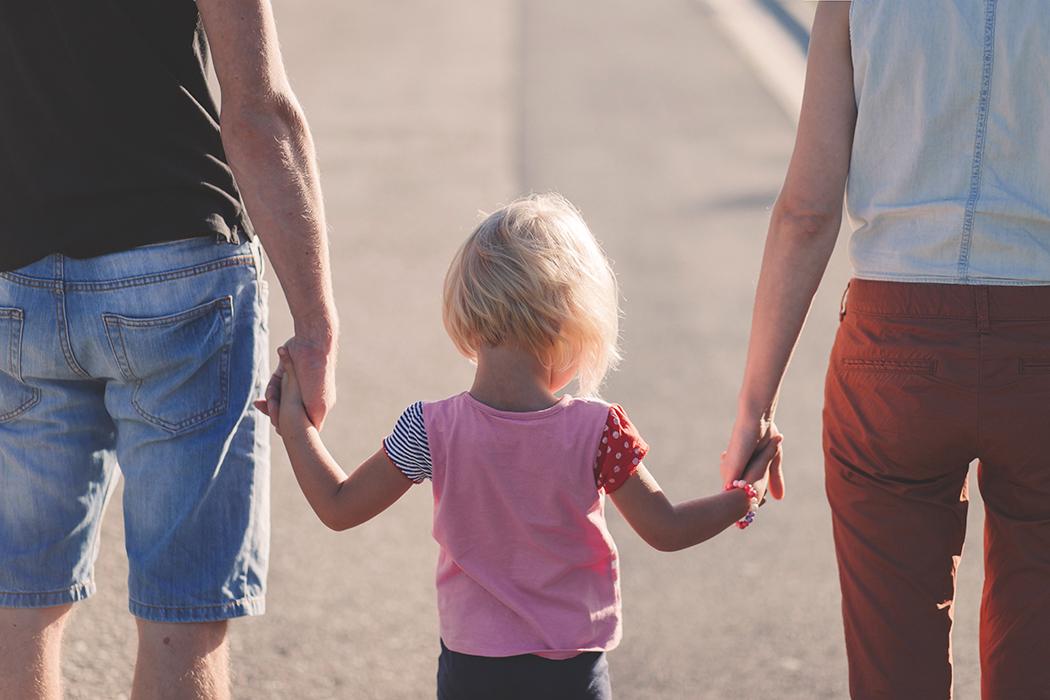 Quants tipus de famílies coneixeu al vostre voltant? Totes elles són vàlides i diverses. I totes elles necessàries! Aquest mes la Txell @Educareclub ens parla de #Separacions   https://www.menutsgirona.cat/separacions-txell-gelabert/…  #menutsgi #guiafamiliar #pares #mares #parella #relacions #educaciopic.twitter.com/OUrweVv8Fo