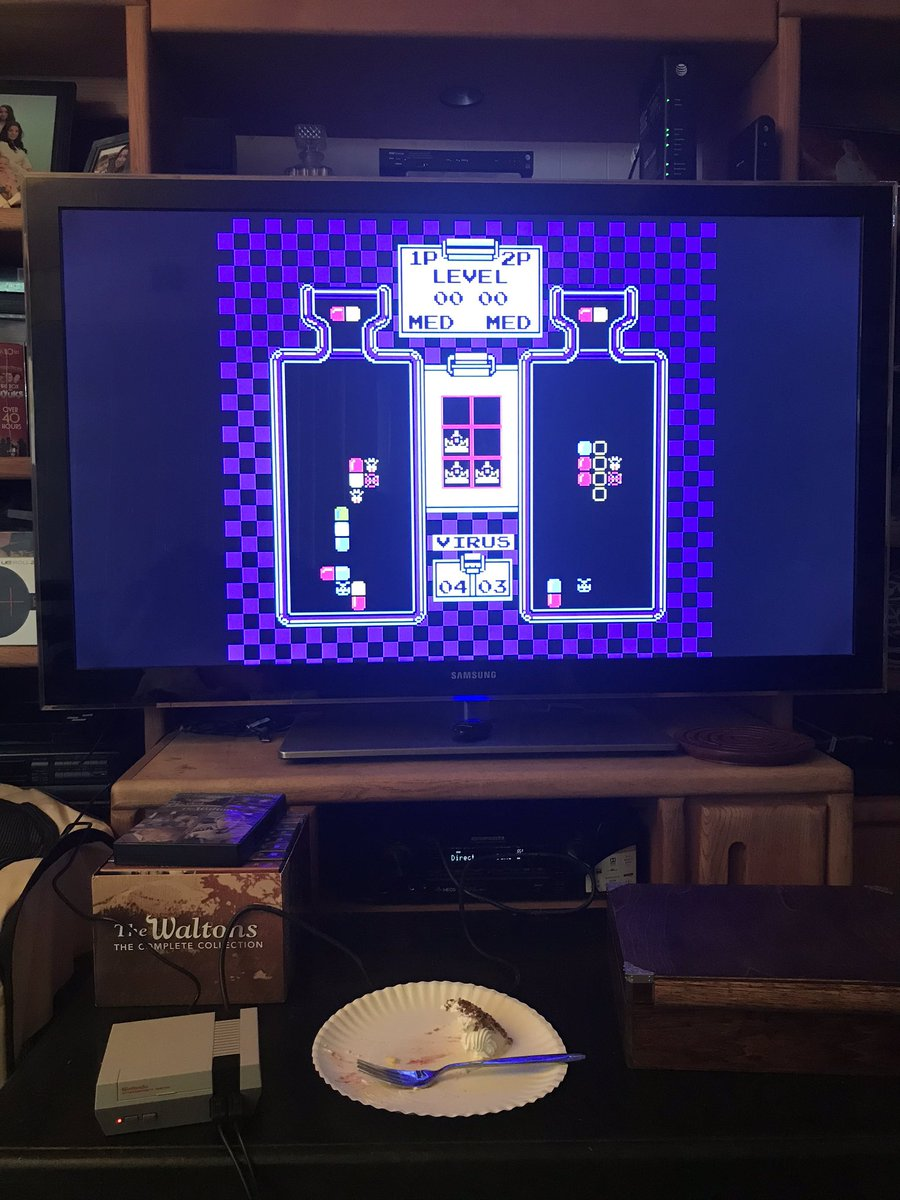 Some doctor Mario at the parents! #retro #birthday #gaming #drmario https://t.co/ZhCOJCS6RC