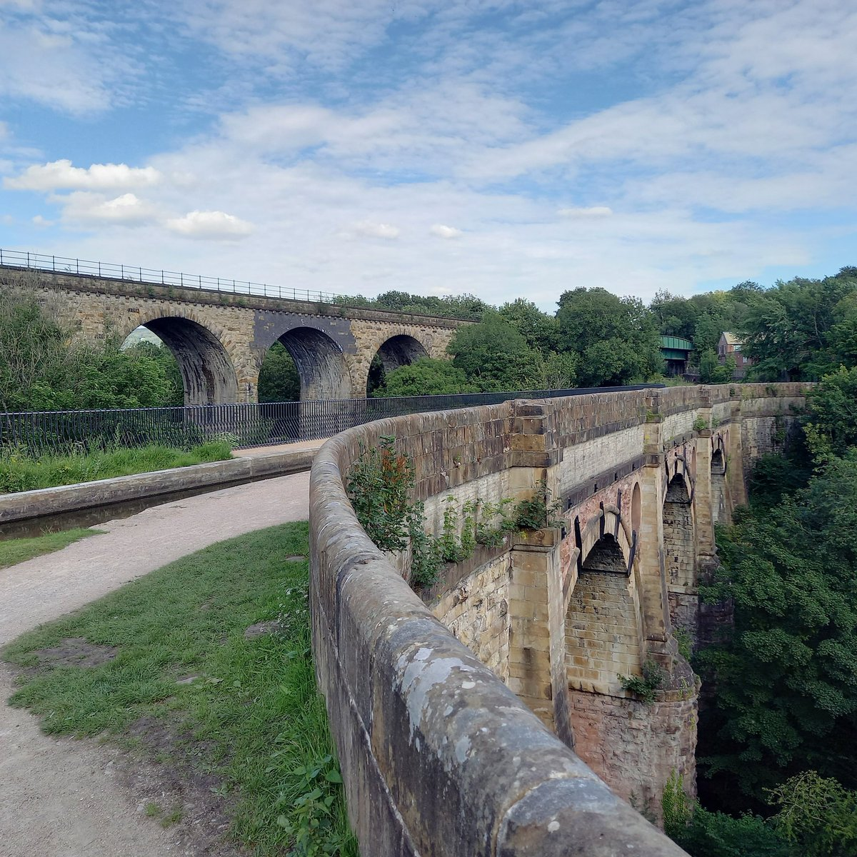 Stockport has got some marvellous viaducts and a superb aqueduct.  #marpleaqueduct #canal #canals #marple #stockport #spottedinstockport #aqueduct #aqueducts #viaduct #viaducts #marpleviaduct #peakforestcanalpic.twitter.com/6kQLrJmKeX