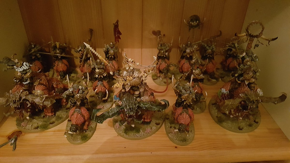 My first finished AoS army, despite playing it as my main game for 18 or so months #warmongers #roadtocarnage #aos #beastclawraiders https://t.co/6VzMy0updU