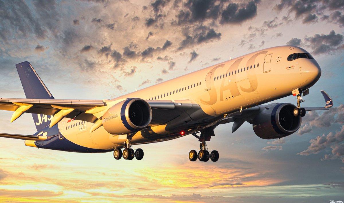 Throwback on #SERSB @SAS #airbus #a350 last february  #AvGeek #sas #flysas #aircraft #toulouse #Airport #sunsetpic.twitter.com/LNUNL8Tfqs