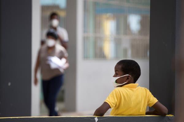 #12Jul 🇩🇴 República Dominicana registró este domingo un nuevo récord diario de contagios de coronavirus, con de 1.418, y 17 nuevos fallecimientos por la enfermedad, en momentos en los que los hospitales están acercándose al límite de su capacidad. #TVVNoticias https://t.co/lImwa7pjQ7