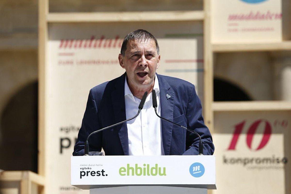 Gora Euskal Herria askatuta! Eskerrik asko! https://t.co/WY82S2Mp6R