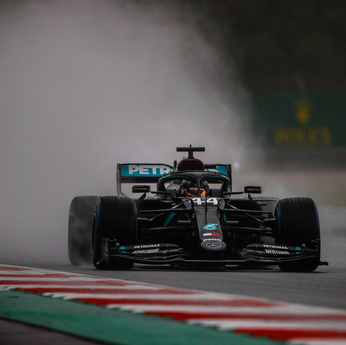 Another 1-2 finish for @MercedesAMGF1 w/@LewisHamilton taking his first 2020 victory & @ValtteriBottas placing second! 🏆  #AustrianGP #WeRaceAsOne #F1 #Formula1 #MonsterEnergy https://t.co/ecd4crRclG
