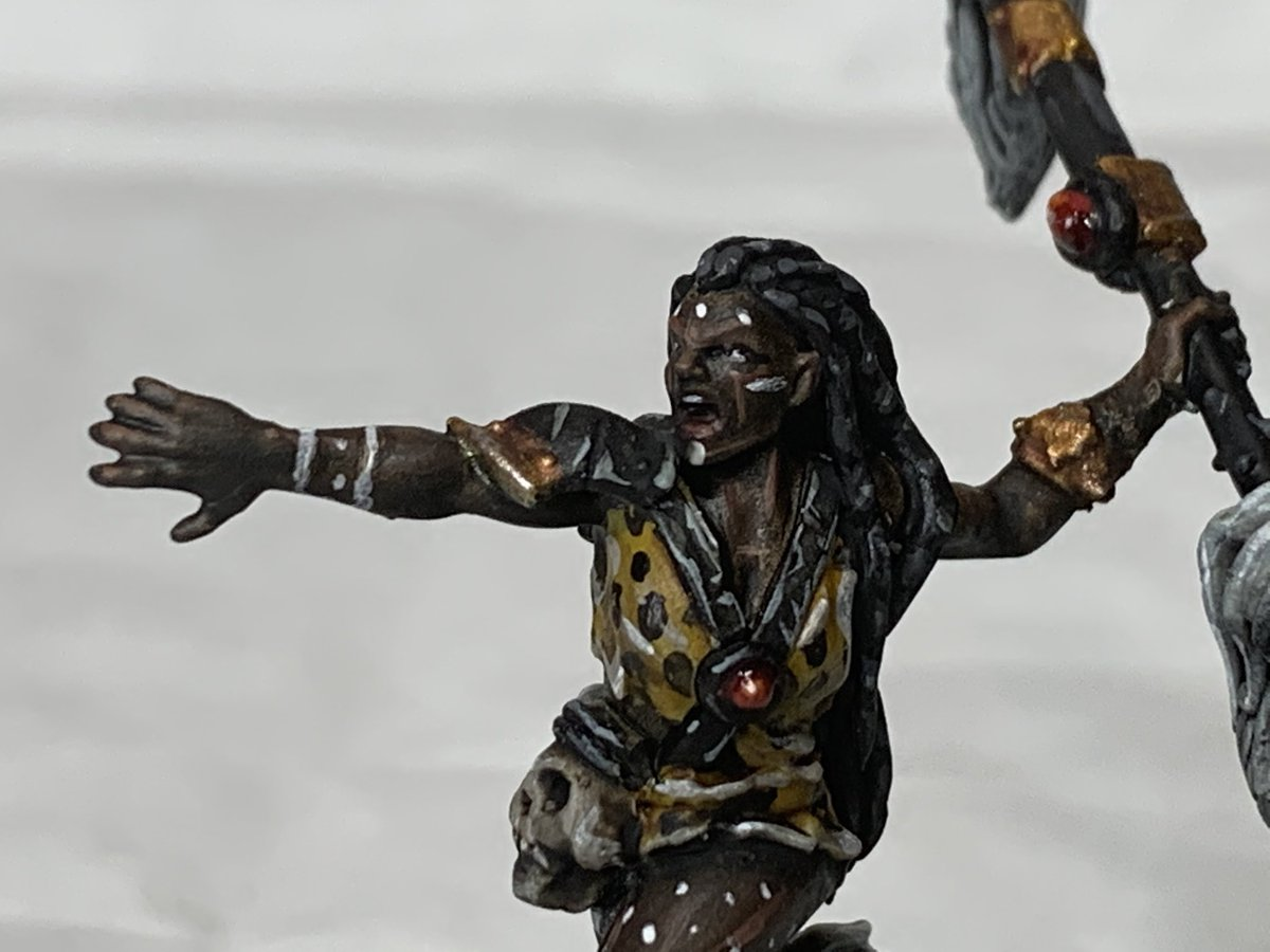 A model from #aos #warhammerunderworlds #godswornhunt converted to be a witch in my #mordheim campaign.   #warhammer #WarhammerCommunity #wepaintminis #miniaturepainting #warmongers #chaos #darkoath #slavestodarkness https://t.co/GY6ULOXje9