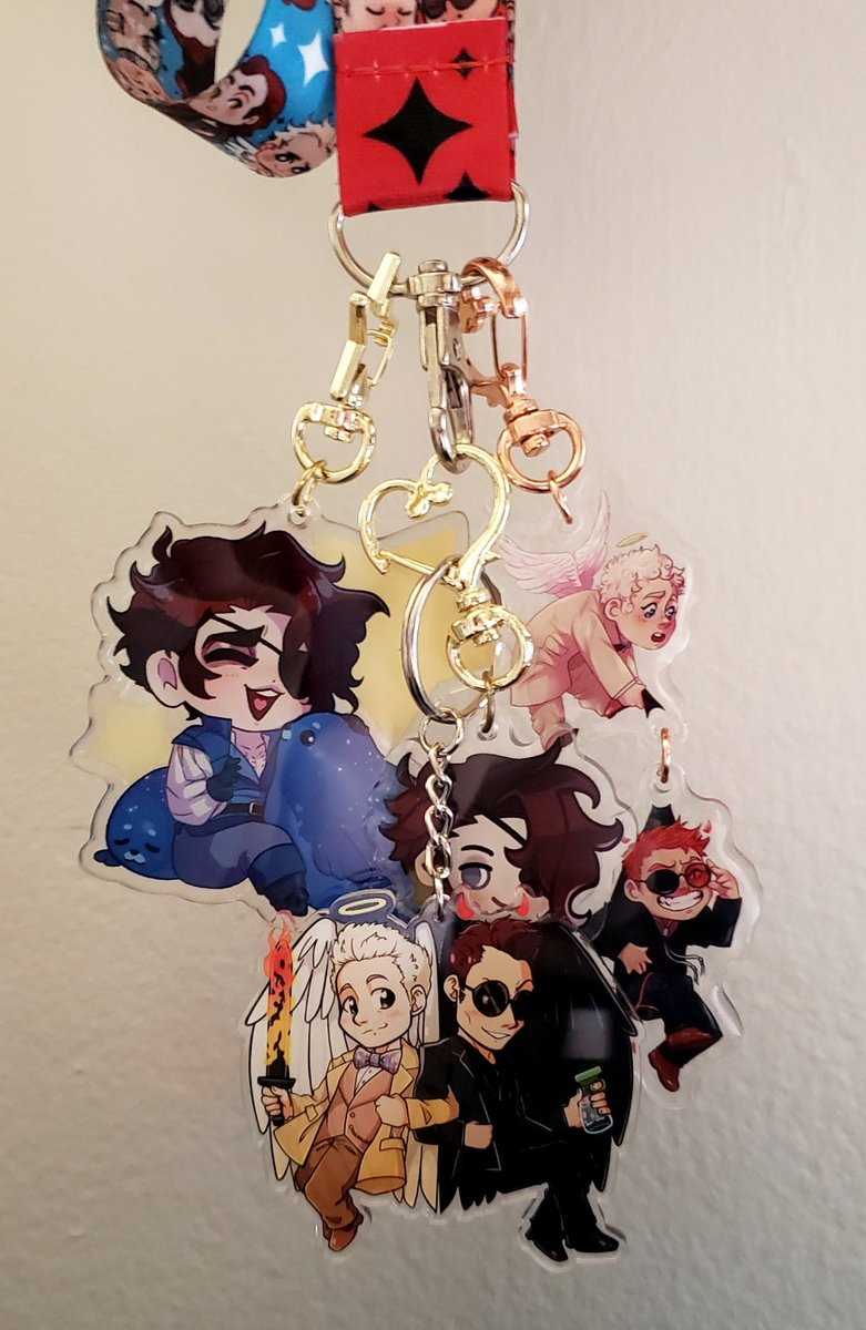 My favorite keychains  Currently waiting on two more Julian keychains from @thearcanagame, and always looking for more Good Omens fanmerch #IneffableHusbands #GoodOmens #TheArcanaGame #JulianDevorak pic.twitter.com/doZLYG2djc