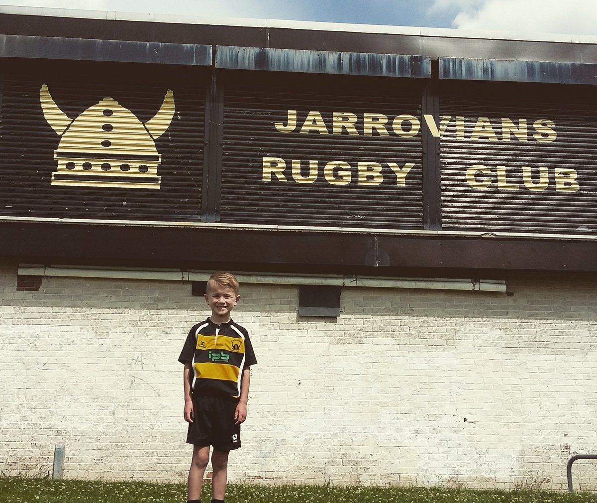 Loved being back @JarroviansRUFC this morning with my teammates #blackandyellow #rugby #rugbyfamily #jarrow #hebburn #Jarrovians #jarroviansrufc #viking #vikings