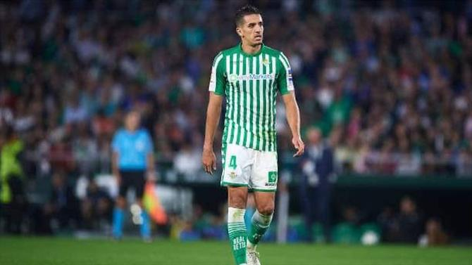 Deal done!  Zouhair #Feddal will sign a 4year-contract for #Sporting. Transfer-fee will be included in the payment of William Carvalho transfer.   #Betis #LaLiga #LigaNOS #lisboa #transfer #Mercato #mercado #transfermarkt #Calciomercato  confirmed by @EFEnoticias https://t.co/bHUhr4E878 https://t.co/BCWQx6AFrM