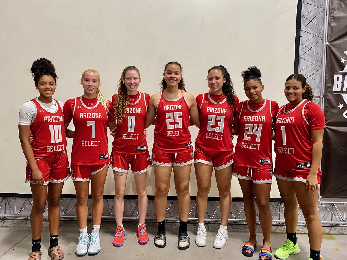 . @AZSelectGirlsBB 17U with the 4-0 weekend capped off with 54-26 win vs. EBO 3SSB. Really fun group to coach and watch! @AZSelectRecruit @GirlsUAA https://t.co/z4rWkeUVxh