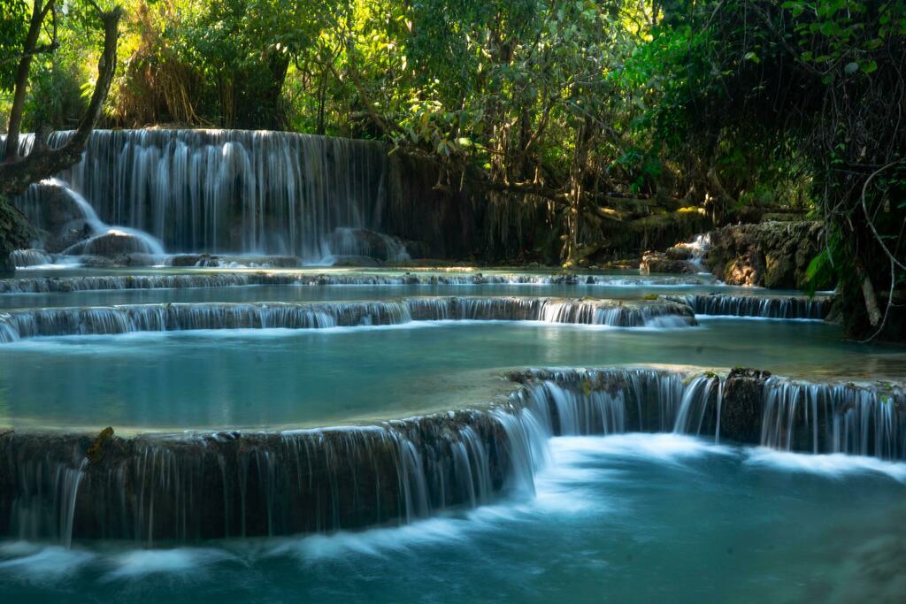 Luang Prabang Waterfalls, Laos [OC] [6000x4000] via https://ift.tt/305wxcTpic.twitter.com/wswkFygajn