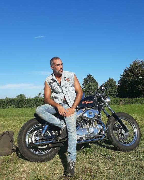 Harley Davidson Sportster#harleydavidson #garajeclandestino #street750 #streetrod #harleyofinstagram #iron883 #fortyeight #hd48 #harleygirl #streetbob #bikergirl #fatboy #softail #harleydavidsongirl #breakout #harley #vrodmuscle #custom #roadglide #rutasmoteras #galiforniapic.twitter.com/bvo2sfAUWh