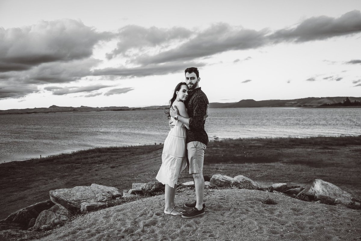 """""""Fiz de mim descanso pra você, te decorei"""" 📸🍃 #photograph #precasamento #prewedding #bridetobe #bride #wedding #nortepioneiro #blackandwhite #ensaiocasal #pictureoftheday #nature #ribeiraoclaro #casamento #work #boanoite https://t.co/tFihc1Oacl"""